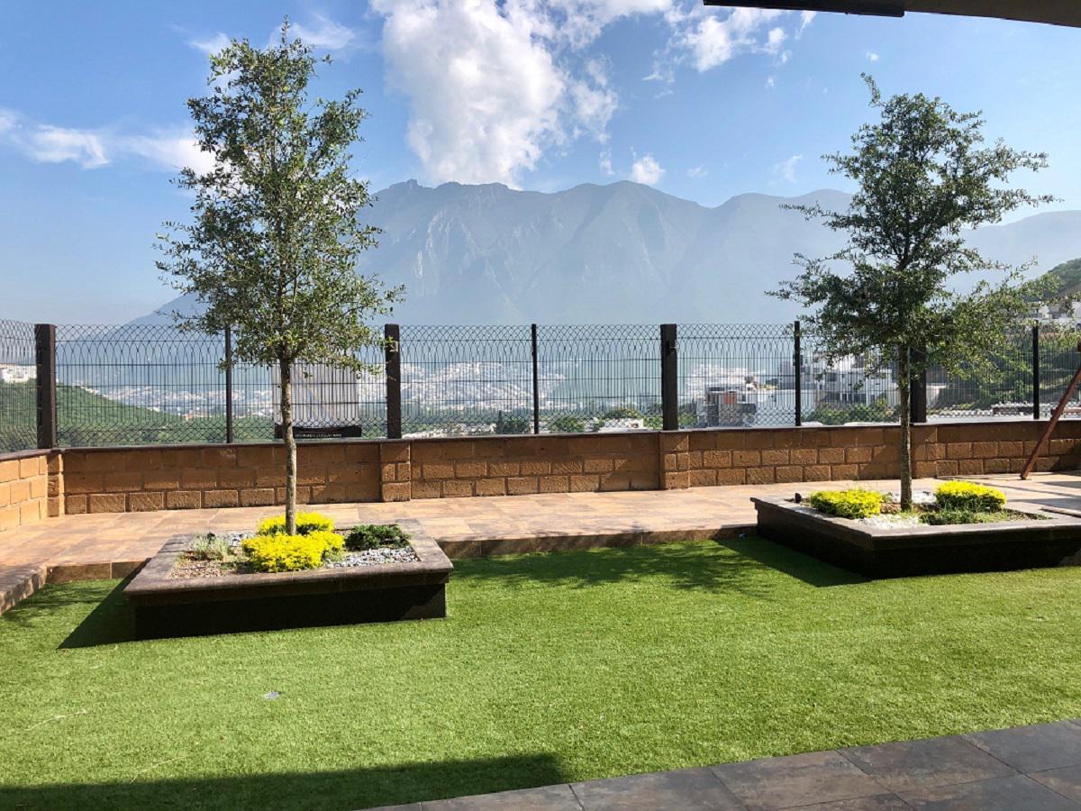 Foto Casa en Venta en  Lagos del Vergel,  Monterrey     CASA EN VENTA  ZONA CARRETERA NACIONAL LAGOS DEL VERGEL MONTERREY