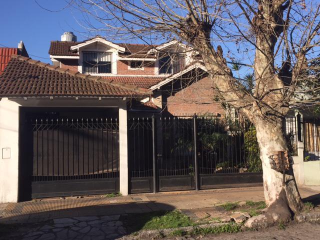 Foto Casa en Venta en  Temperley Este,  Temperley  COLON 128 e/ Riobamba y Juncal