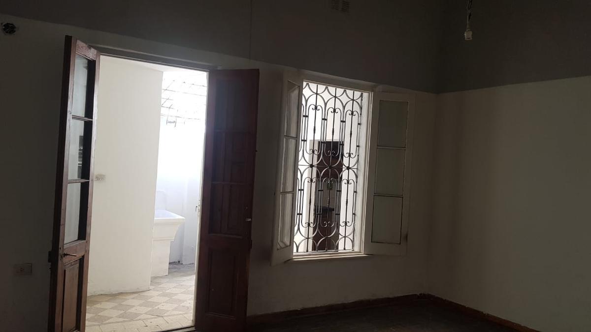 Foto Departamento en Alquiler en  Alberdi,  Rosario  Junin 931 Dto. 1