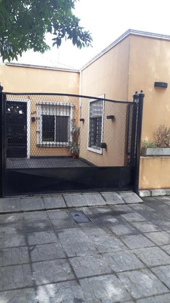 Foto Casa en Venta en  Temperley Este,  Temperley  Oruro N° al 400