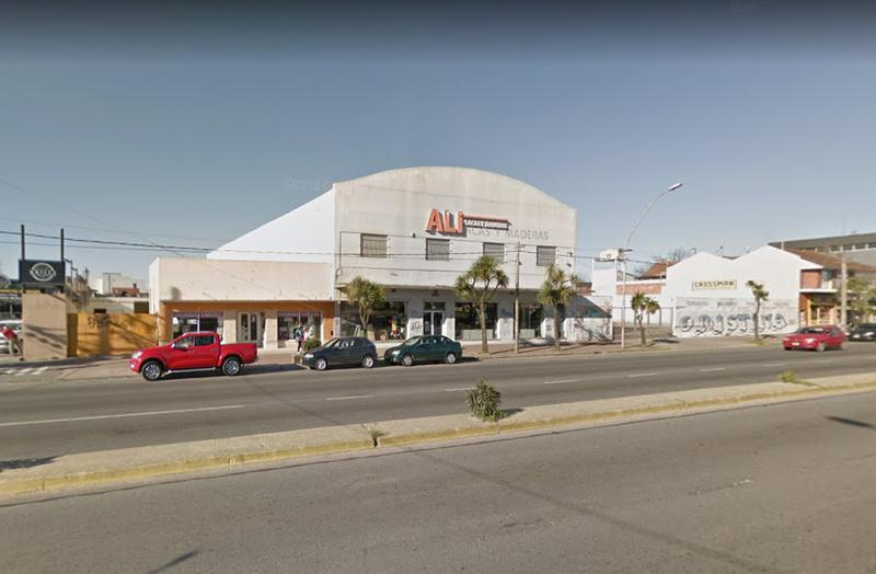 Foto Local en Alquiler en  Chauvin,  Mar Del Plata  Av. Juan B. Justo entre Mitre e Yrigoyen