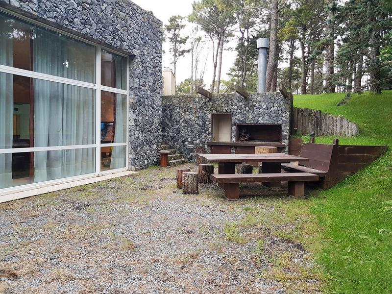Foto Casa en Venta en  Pinamar ,  Costa Atlantica  De la Deriva 2150