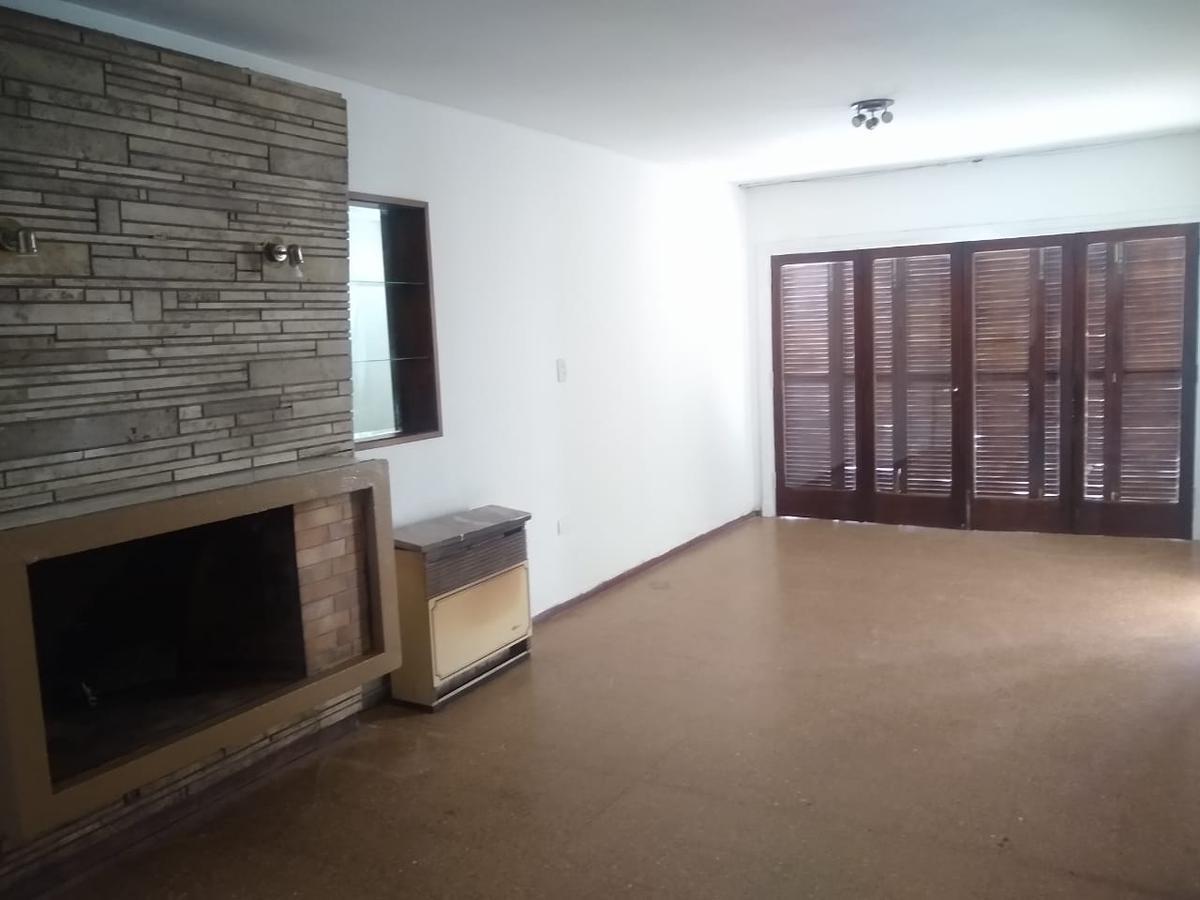 Foto Casa en Alquiler en  Capital ,  Mendoza  Lavalle al 400