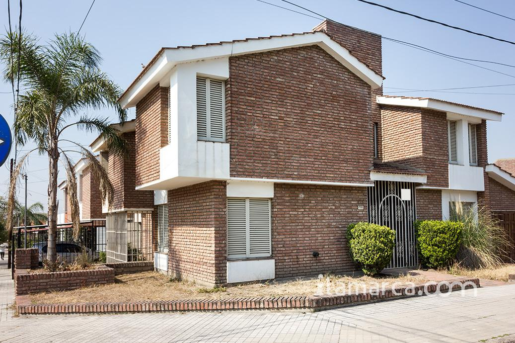 Foto Casa en Alquiler en  Urca,  Cordoba  Adolfo Orma y Jose Barros Pasos
