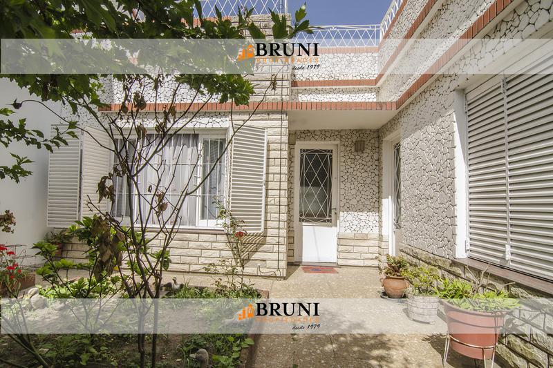 Foto Casa en Venta en  Wilde,  Avellaneda  Pje. Calderon al 6100