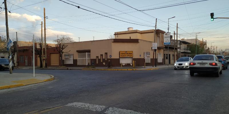 Foto Casa en Venta en  Lanús Oeste,  Lanús  MOLINEDO 2800