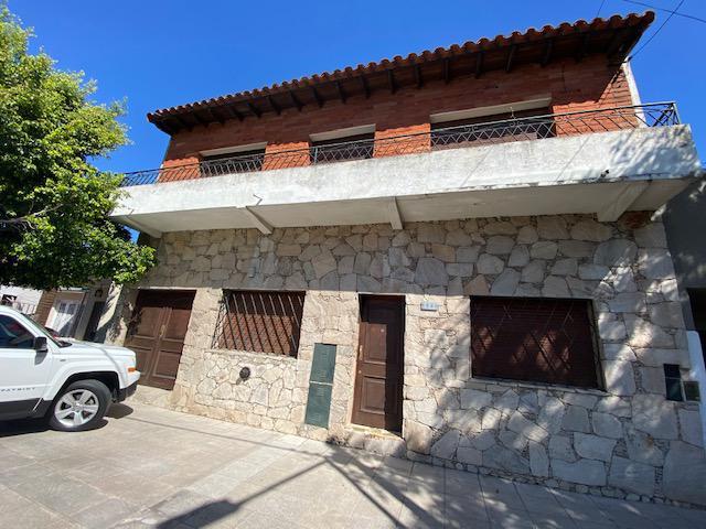 Foto Casa en Alquiler en  Lomas De Zamora,  Lomas De Zamora  Pedernera al 1681