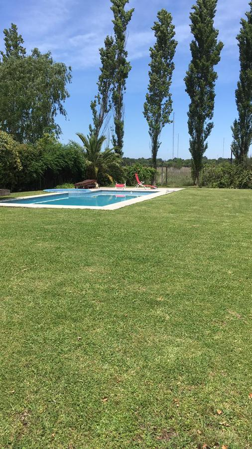 Foto Casa en Alquiler temporario en  Santa Barbara,  Countries/B.Cerrado  Alquiler Temporal. Casa 4 amb. con Piscina. Jardin y Parrilla
