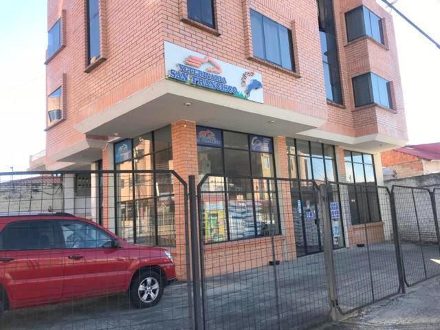 Foto Local en Venta en  San Sebastián,  Cuenca  Local Comercial en venta 240m2C Sector Almacenes Boyaca $265.000dlrs.