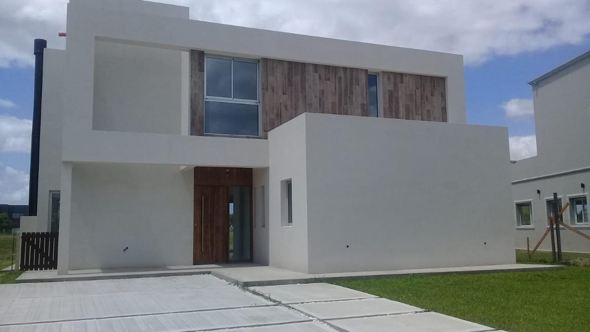 Foto Casa en Venta en  El Canton,  Countries/B.Cerrado (Escobar)          Barrio Puerto 253