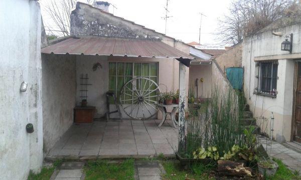 Foto Casa en Venta en  Llavallol,  Lomas De Zamora  JUAN BAUTISTA ALBERDI al 200