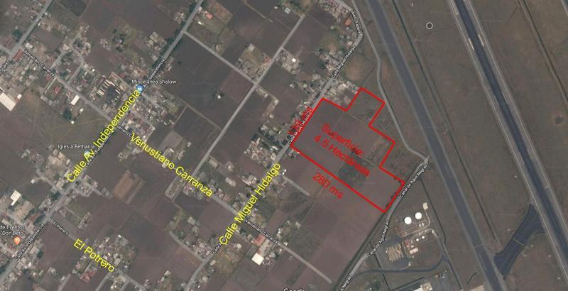 Foto Terreno en Venta en  San Nicolás Tolentino,  Toluca  Venta de Terreno Industrial al lado de la pista de Aeropuerto Toluca, 4.5 hectareas