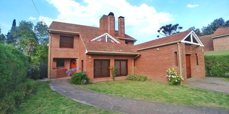 Foto Casa en Venta en  Pinos De Anchorena,  Mar Del Plata  Matheu al 4400