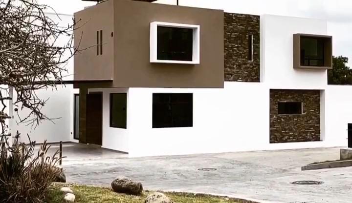 Foto Casa en Venta en  Pueblo Santa Bárbara Almoloya,  San Pedro Cholula  Fraccionamiento Residencial San pieri, Puebla - Casa en venta