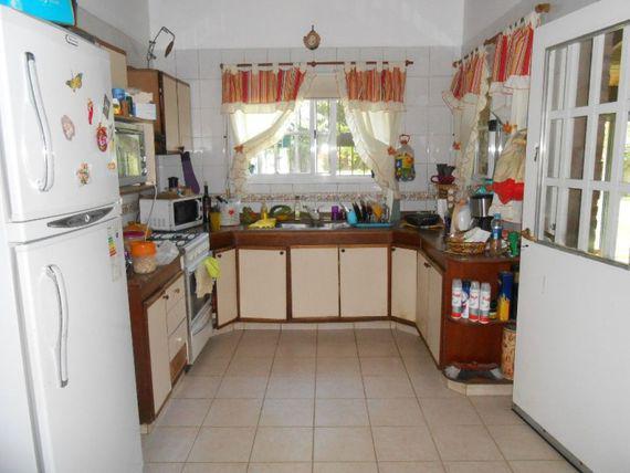 Foto Casa en Venta en  Barrio Parque Leloir,  Ituzaingo  Media Caña al 3000