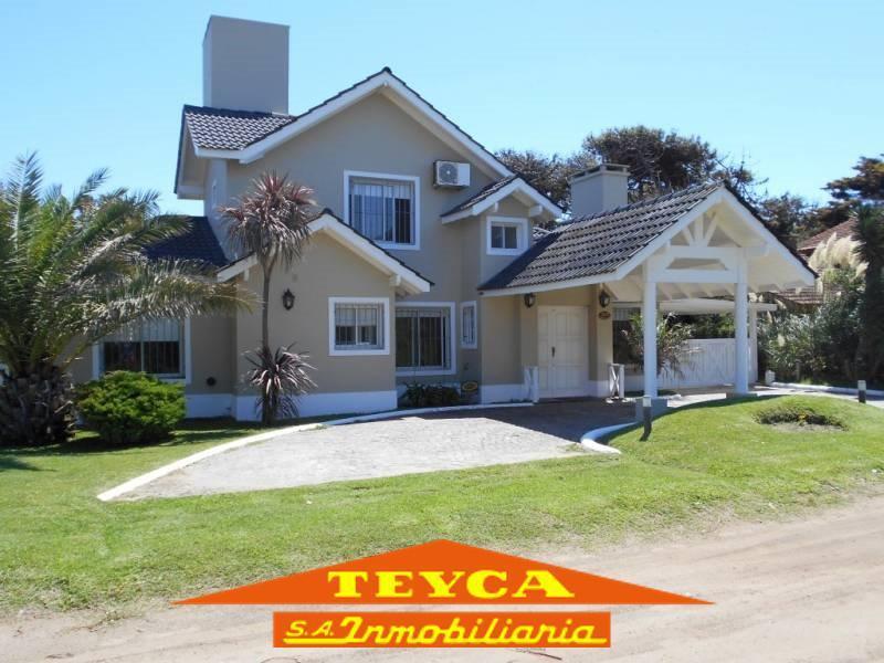 Foto Casa en Venta en  Lasalle,  Pinamar  Burriquetas 2664 E/ Retama y Garzas