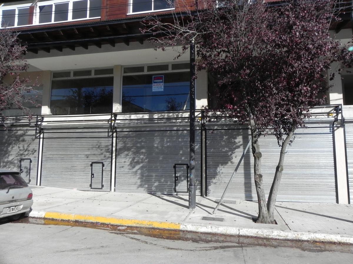 Foto Local en Alquiler en  Centro,  San Carlos De Bariloche  Elflein y quaglia Local No 2