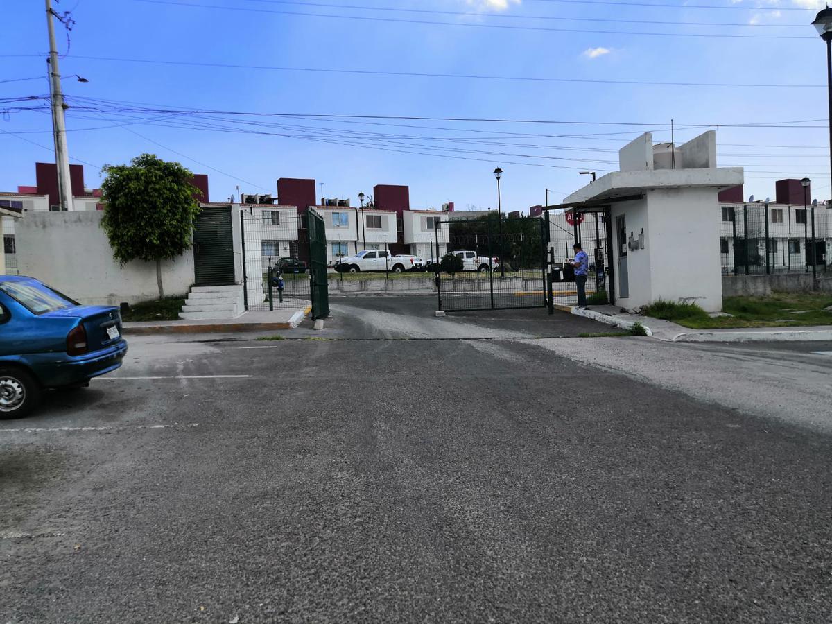 Foto Casa en Venta en  Fraccionamiento Eduardo Loarca,  Querétaro  AGUSTIN GONZALEZ MEDINA COND ALEJO ALTAMIRANO