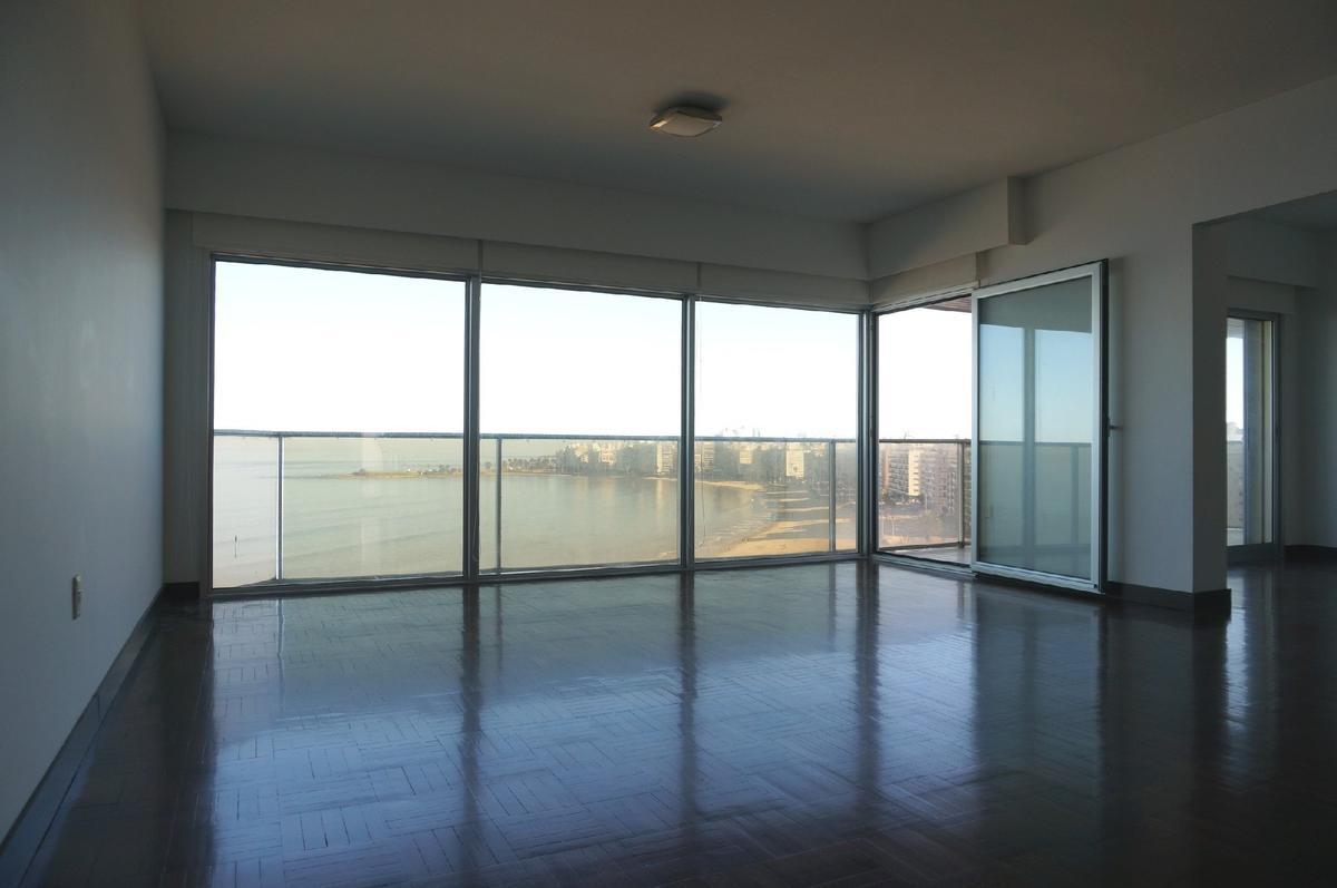 Foto Apartamento en Venta en  Pocitos ,  Montevideo  Rambla República del Perú y Buxareo