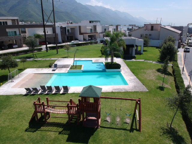 Foto Casa en condominio en Venta en  Monterrey ,  Nuevo León  Casa Residencial Privada La Joya, Loreto