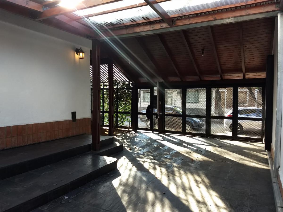 Foto Casa en Venta en  Remedios de Escalada de San Martin,  Rosario  9 de Julio al 4500