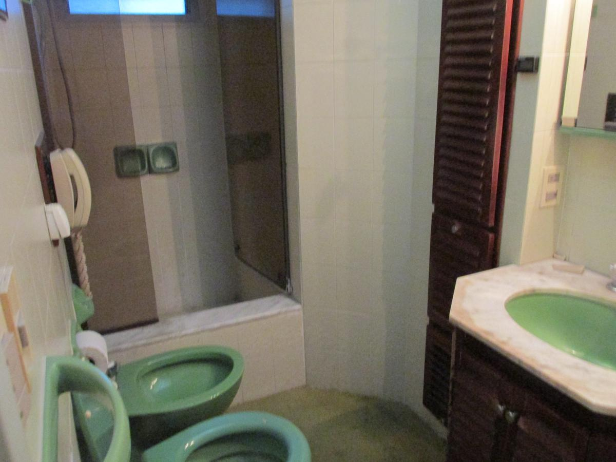 Foto Casa en Venta en  Ranelagh,  Berazategui  Calle 310 N° 1061 e/360 y 361