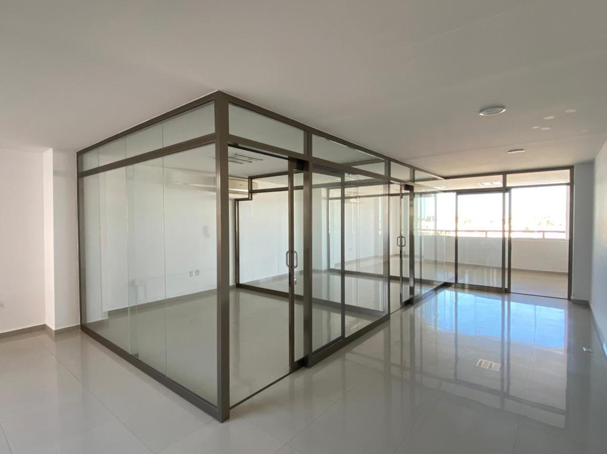 Foto Oficina en Renta en  Fraccionamiento Costa de Oro,  Boca del Río  Oficina en RENTA sobre BLVD. RUIZ CORTINES de 95 mts2, 2do nivel (RZ)