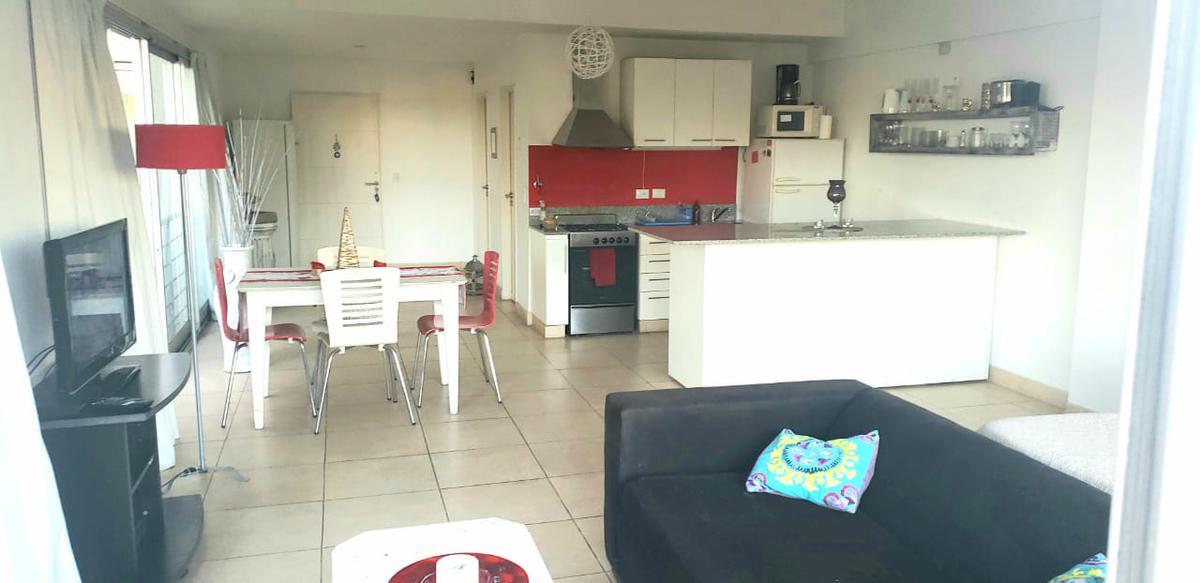 Foto Departamento en Alquiler temporario en  Tigre ,  G.B.A. Zona Norte  Montevideo 1378, Tigre