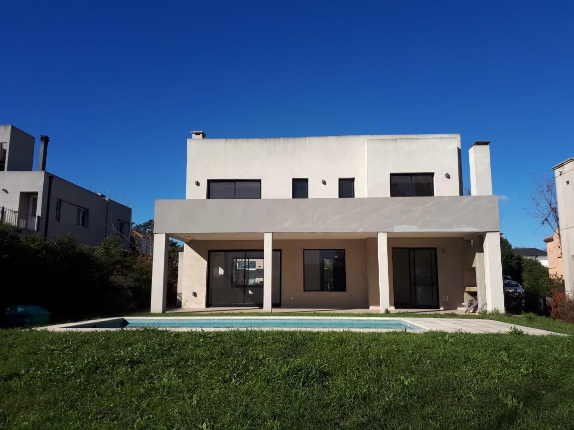 Foto Casa en Venta en  Pablo Nogues,  Malvinas Argentinas  Alejandro Vitale al 500