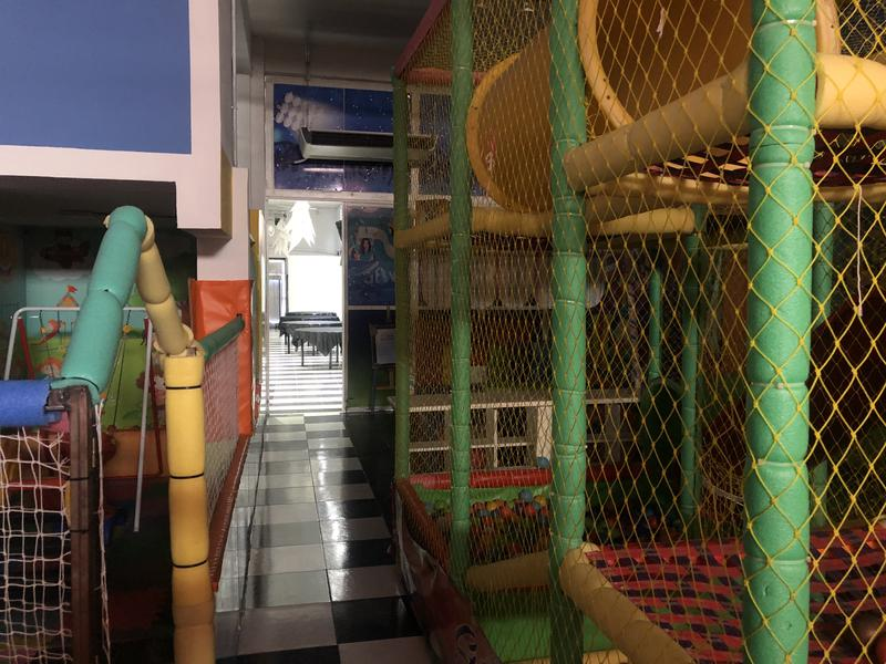 Foto Local en Alquiler en  Rosario ,  Santa Fe  Av Pellegrini 3138