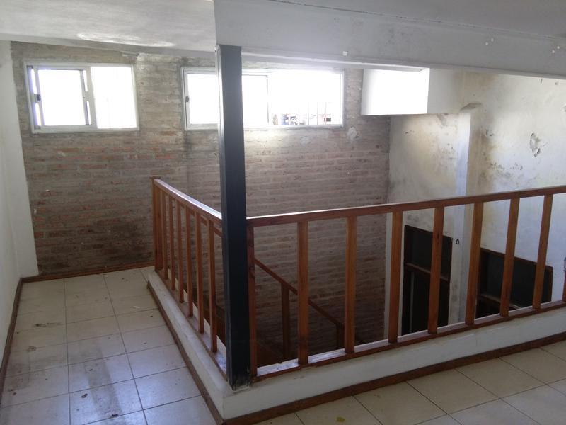 Foto Local en Alquiler en  La Blanqueada ,  Montevideo  La Blanqueada