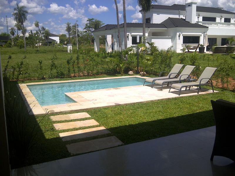 Foto Casa en Venta en  Luque,  Luque  Luque