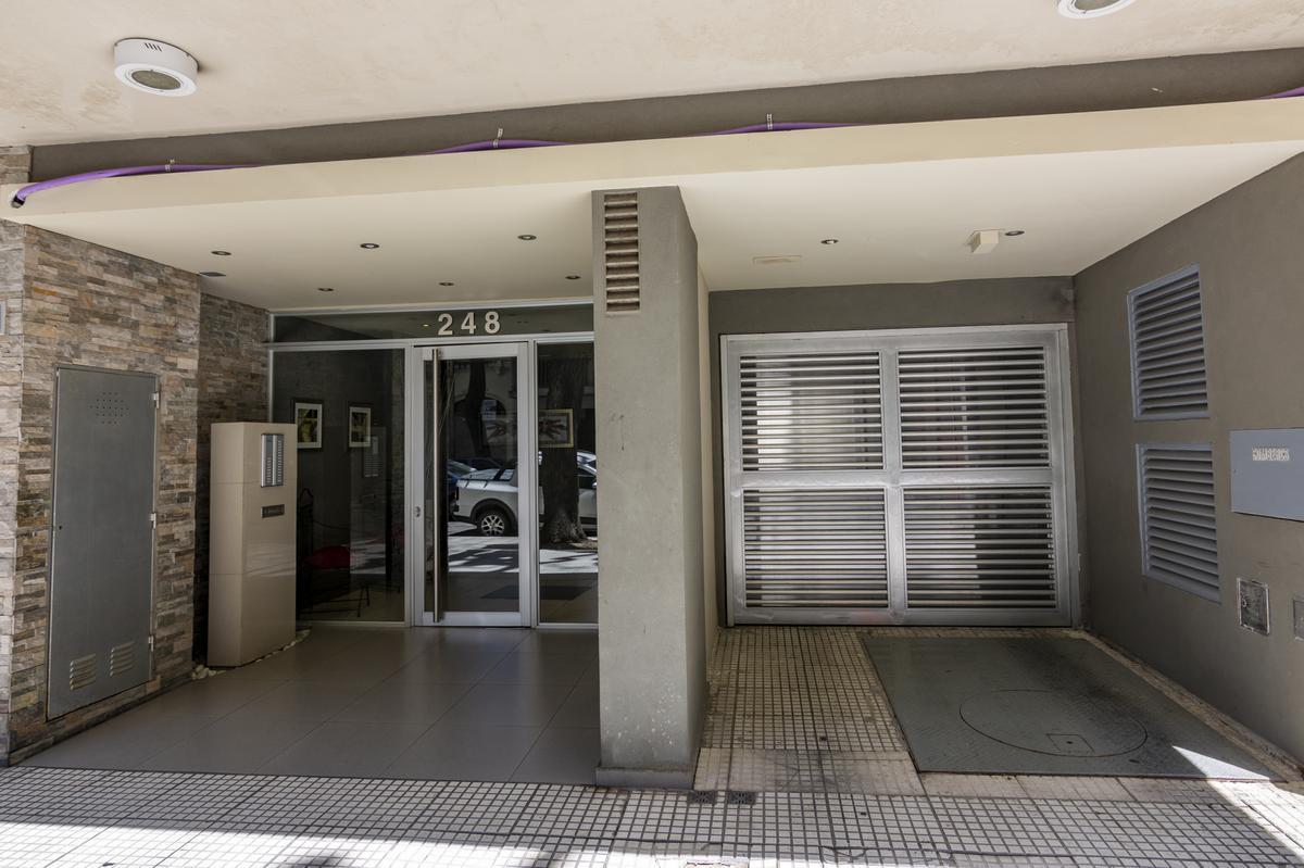 Foto Departamento en Venta en  Caballito ,  Capital Federal  Ambrosetti 200