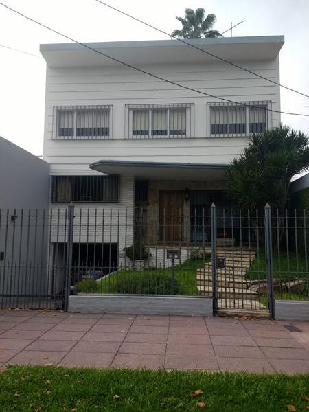 Foto Casa en Venta en  Ituzaingó Sur,  Ituzaingó  Iriarte al 300
