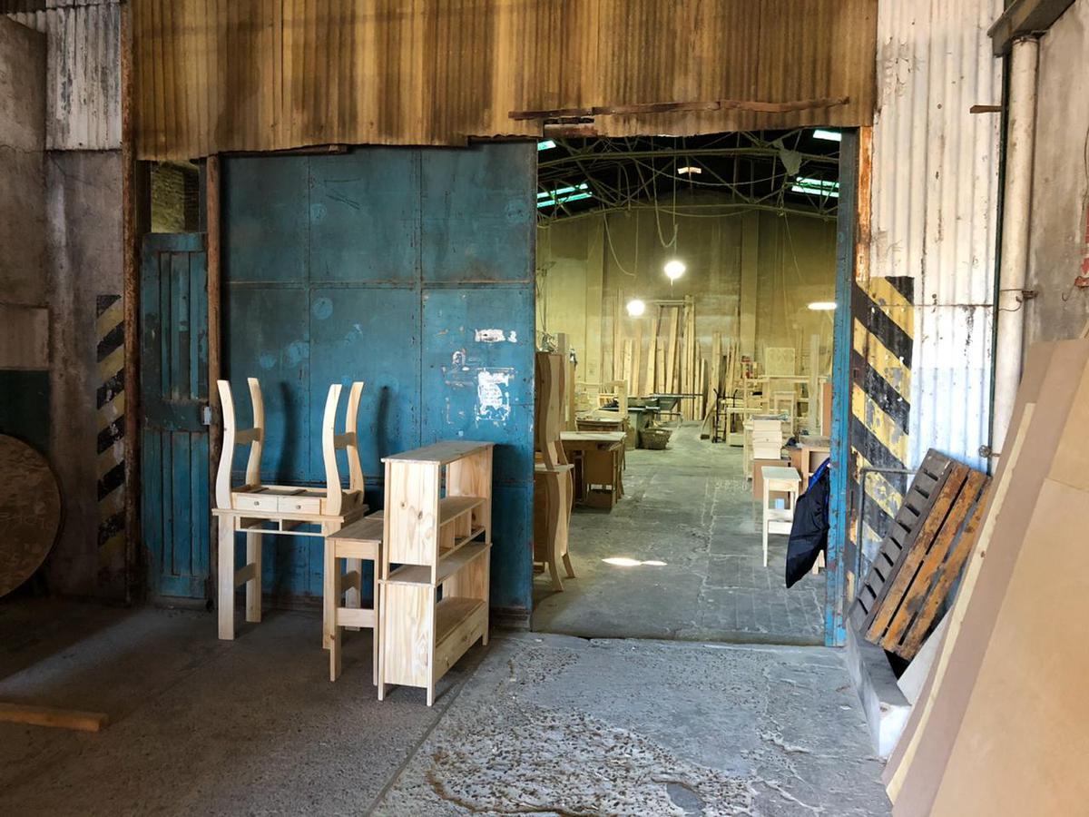 Foto Galpón en Venta en  Tigre ,  G.B.A. Zona Norte  Excelente deposito industrial con vivienda. Tigre