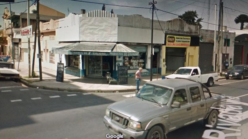 Foto Local en Alquiler en  Valentin Alsina,  Lanus  Av. Rivadavia al 600