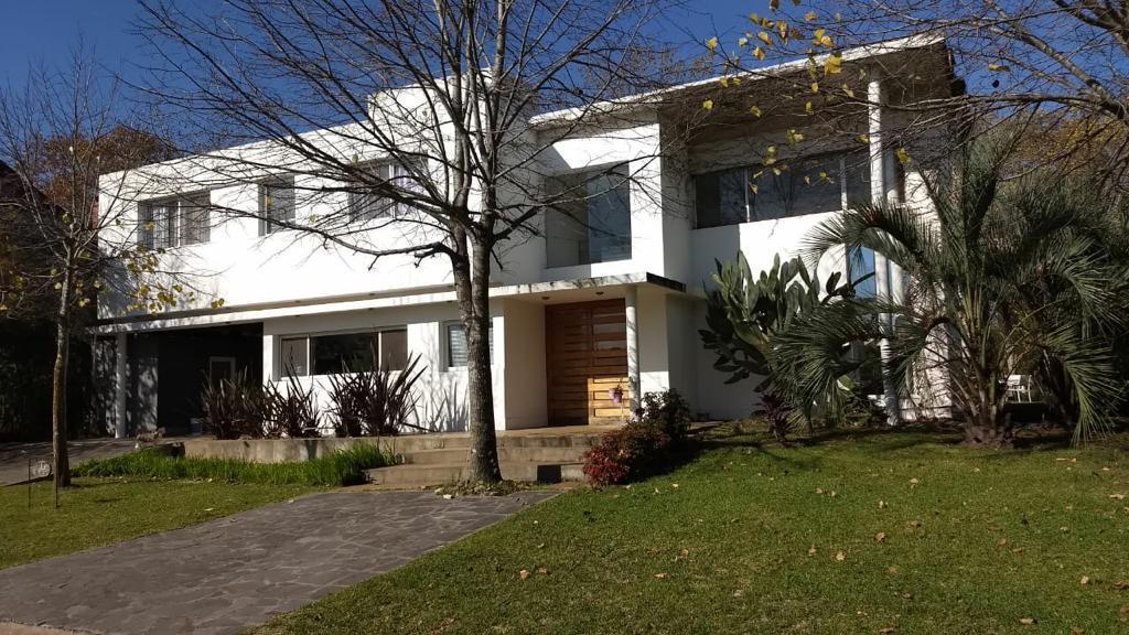 Foto Casa en Venta en  Fincas de Iraola I,  Countries/B.Cerrado (Berazategui)  Barrio Fincas de Iraola