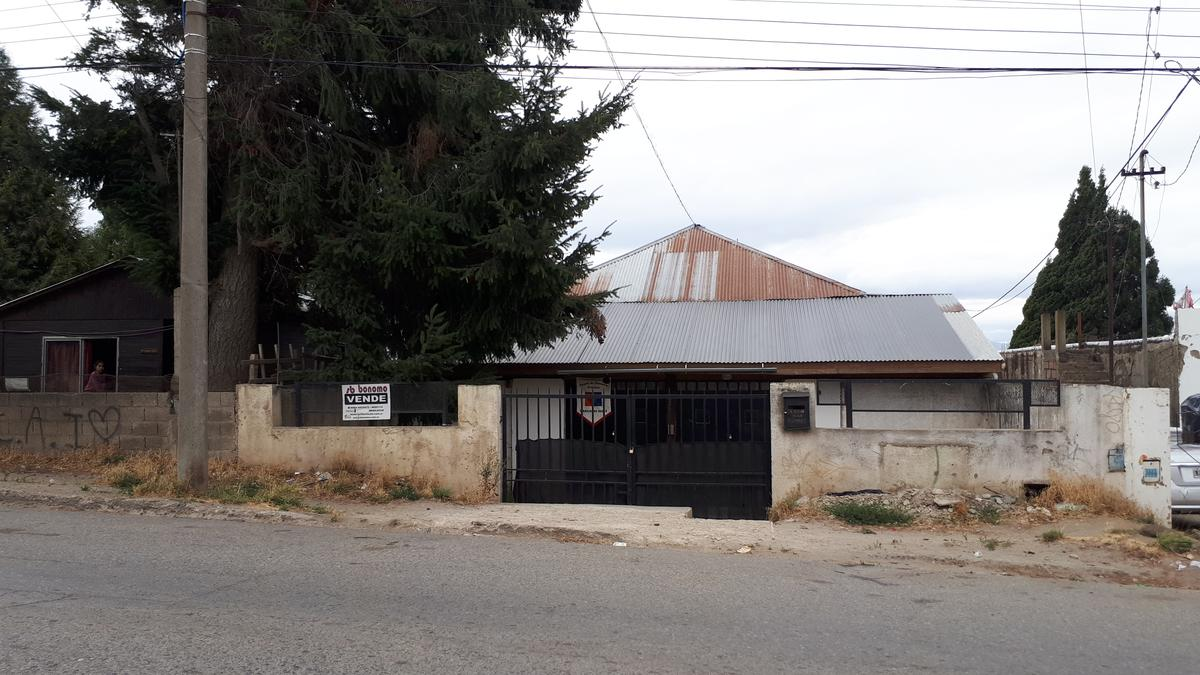Foto Local en Venta en  Centro,  San Carlos De Bariloche  Brown al 1400