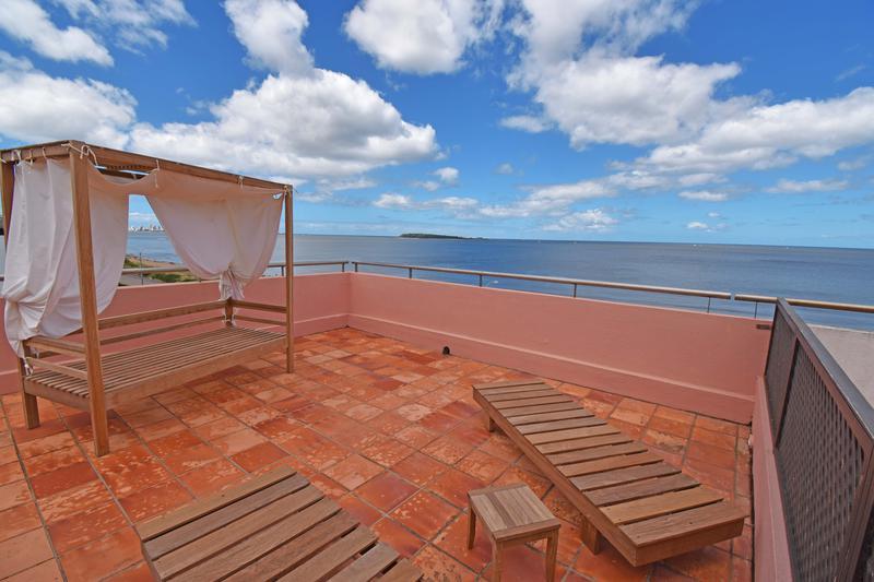 Foto Departamento en Venta en  Playa Mansa,  Punta del Este     Primera linea de la mansa