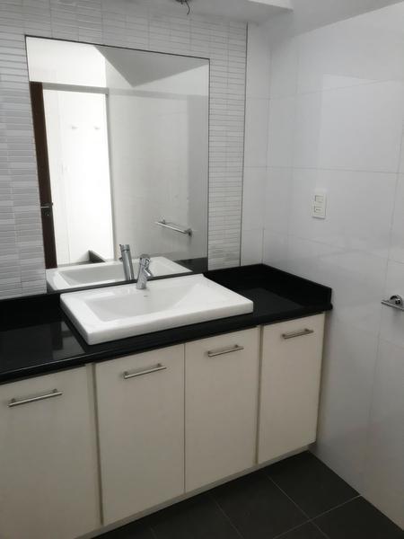 Foto Casa en Venta en  Carrasco ,  Montevideo  CON RENTA Barrio San Nicolás 4 dorm servicio
