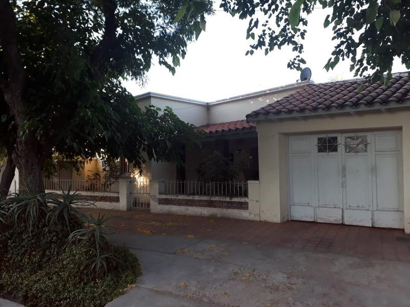 Foto Casa en Venta en  Gobernador Benegas,  Godoy Cruz  Juan Jose Paso N° al 800