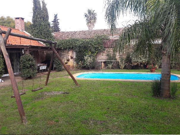 Foto Casa en Venta | Alquiler en  Carrasco ,  Montevideo  Casa impecable estado y seguridad, de lujo