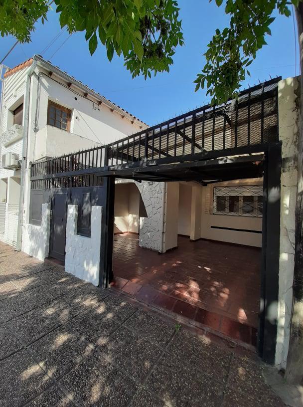 Foto Casa en Venta en  Santa Fe,  La Capital  1 de Mayo al 3600