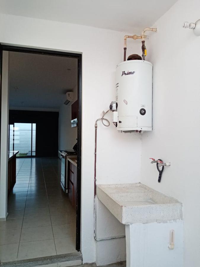 Foto Casa en Renta en  Fraccionamiento Lomas de la Rioja,  Alvarado  Casa uniplanta en renta Fracc. Lomas de la Rioja, Riviera Veracruzana.