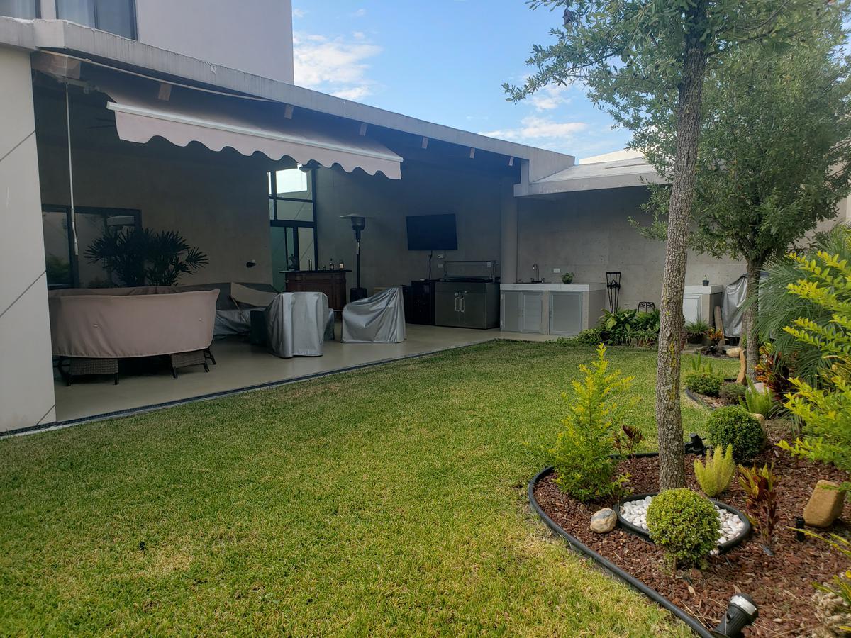 Foto Casa en Venta en  Yerbaniz,  Santiago  Los Nogales Residencial