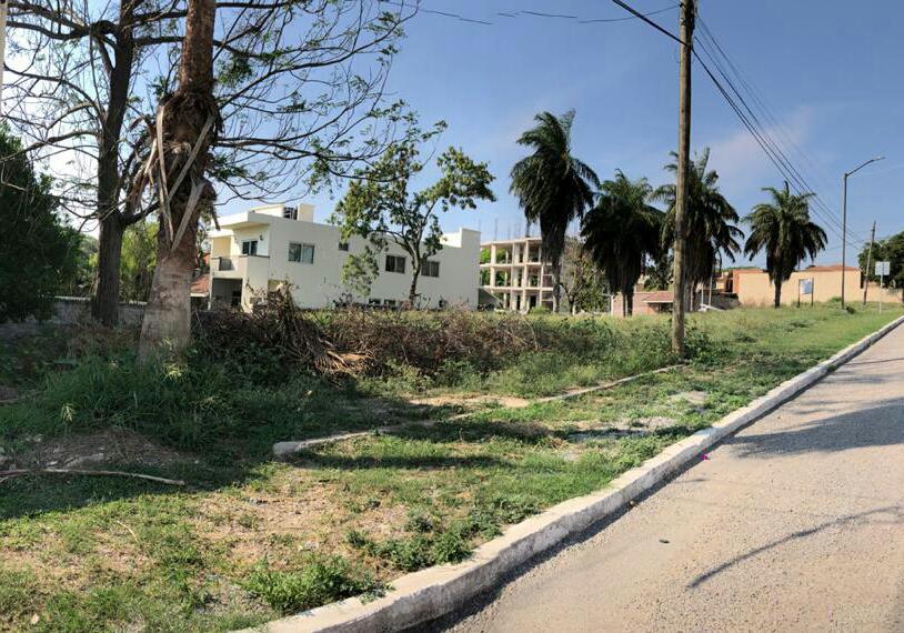 Foto Terreno en Venta en  El Charro,  Tampico  TERRENO COL. EL CHARRO SOBRE AVE. MONTEMAYOR