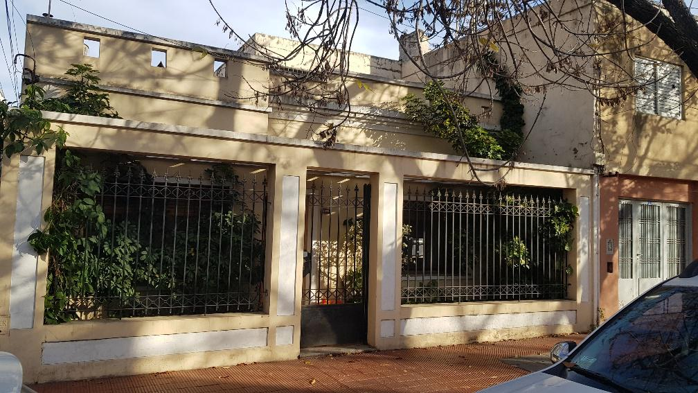 Foto Casa en Venta en  Arroyito,  Rosario  JUAN B. JUSTO 1855