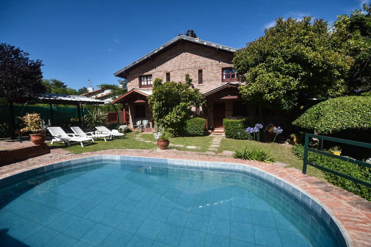 Foto Casa en Alquiler | Alquiler temporario en  La Falda,  Punilla  AV. EDEN al 1100