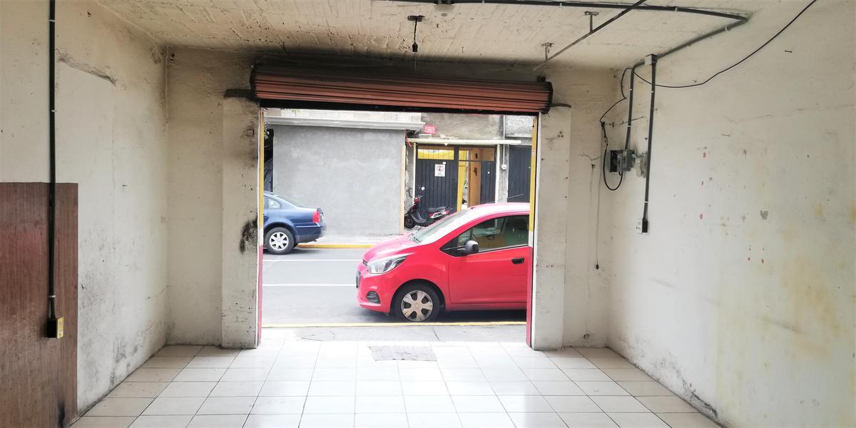 Foto Local en Renta en  Américas,  Toluca           Se Renta Local  de 36m2 aprox en calle transitada y rodeada de comercios, Col Americas, Toluca