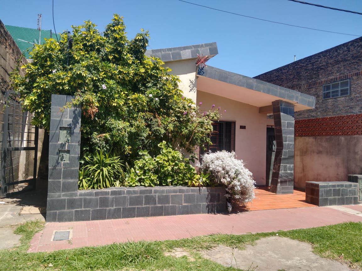 Foto Casa en Venta en  Rosario,  Rosario  Rouillón al 2700